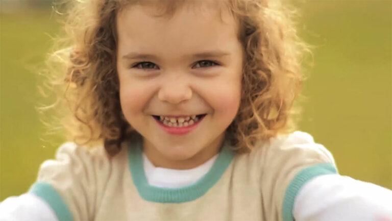 ¿Jugamos a quién ríe antes? Tus relaciones influencian tu salud - Apoteca Natura